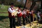 Vsako leto se na Gradišču pri Litiji predstavijo glasbeniki,pevci, igralci iiz domačega okolja.